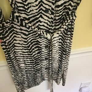 Chicos Travelers Zebra Striped Button-Up Dress Sz0